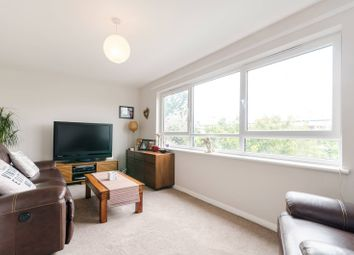 2 bed maisonette to rent in Clarence Lane, Roehampton SW15