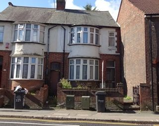 Thumbnail 3 bed terraced house for sale in Park Street, Luton