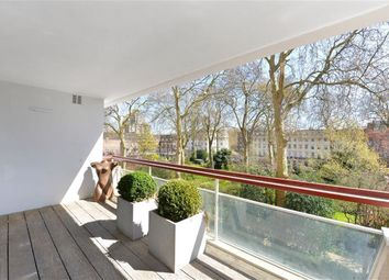 Thumbnail 3 bedroom flat to rent in Chelwood House, Gloucester Square, Hyde Park, London