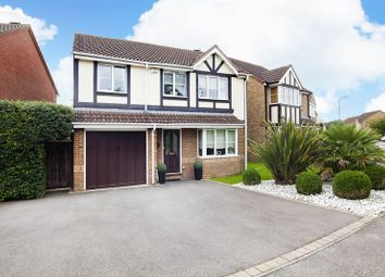 Thumbnail 4 bed detached house for sale in Canons Gate, Cheshunt, Waltham Cross