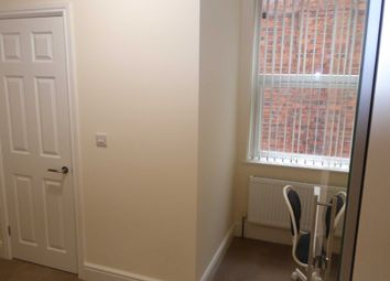 Room to rent in London Road, Reading RG1