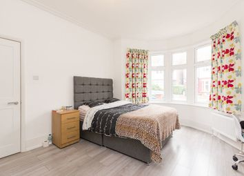 Room to rent in Dewsbury Road, Willesden Green, London NW10