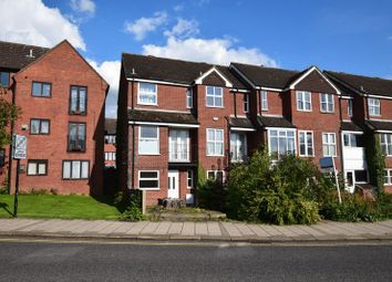Thumbnail 3 bed town house to rent in Shakespeare Road, Bedford