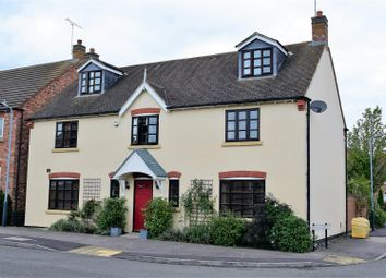 Thumbnail 6 bed detached house for sale in Railway Crescent, Shipston-On-Stour