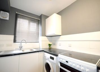 1 bed flat to rent in Lovegrove Drive, Slough SL2