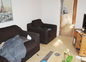 Thumbnail 4 bed flat to rent in Milton Road, Southampton