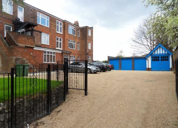 Thumbnail Studio to rent in Rye Hill, Cromwell Hill, Luton