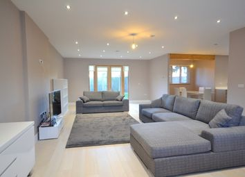 Thumbnail 3 bed bungalow to rent in Torrington Park, North Finchley, London
