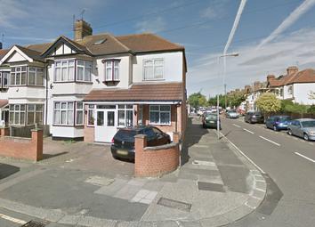 Thumbnail Studio to rent in Glebelands Avenue, Ilford, Essex