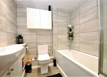 Thumbnail 2 bed flat for sale in Benn Avenue, Paisley