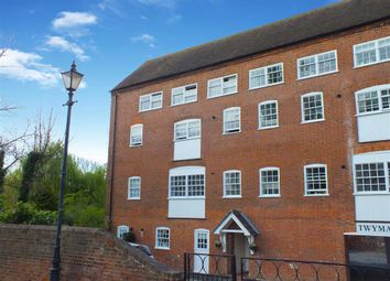 Thumbnail 2 bedroom flat to rent in West Street, Faversham