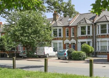 3 bed maisonette to rent in Windmill Road, London SW18