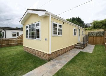 Thumbnail 1 bedroom mobile/park home for sale in Westhorpe Park, Westhorpe, Marlow