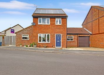 Thumbnail 4 bed link-detached house for sale in Kestrel Drive, Covingham, Swindon, Swindon, Wiltshire