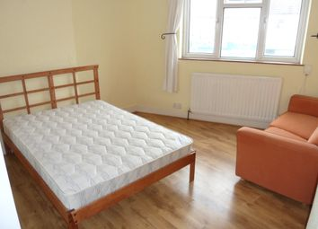 Thumbnail Studio to rent in St Vincents Road, Dartford
