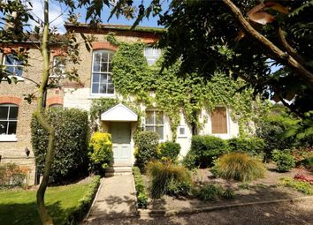Thumbnail 2 bedroom flat for sale in St Mary's Road, Wimbledon