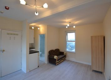 Thumbnail Flat to rent in Bethnal Green Road, Bethnal Green