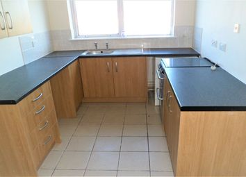2 bed flat to rent in Holt Road, Wrexham LL13