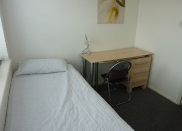 Thumbnail Room to rent in Goldings Crescent, Hatfield