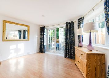 Thumbnail 3 bed property to rent in Apple Garth, Brentford