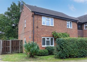 Groves Way, Cookham, Berkshire SL6. 1 bed flat for sale