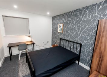Thumbnail 5 bed flat to rent in No1 Milton House, Milton Place, Salford