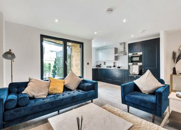 Thumbnail Flat for sale in Ivory Court, Palmers Green, London