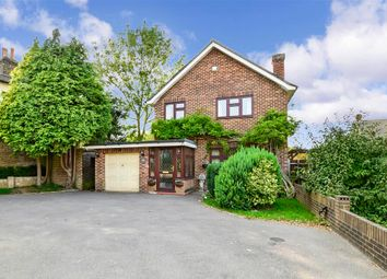 Wrotham Road, Meopham Green, Kent DA13. 3 bed detached house