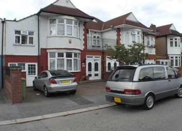 Thumbnail Room to rent in Canterbury Avenue, Ilford