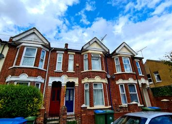 4 bed terraced house to rent in Highcliff Avenue, Southampton SO14