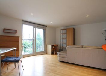 Thumbnail 2 bed flat to rent in Goswell Road, Angel Islington