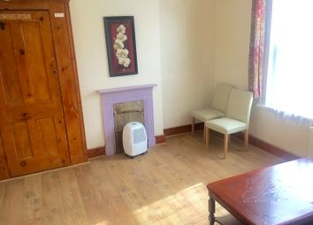 Thumbnail 1 bed flat to rent in Grosvenor Road, Hounslow