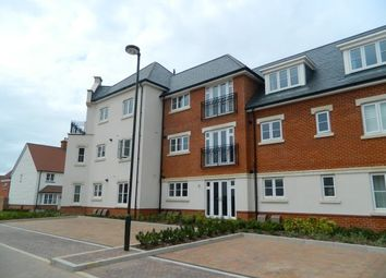 Thumbnail 2 bed flat to rent in Longhurst Avenue, Horsham