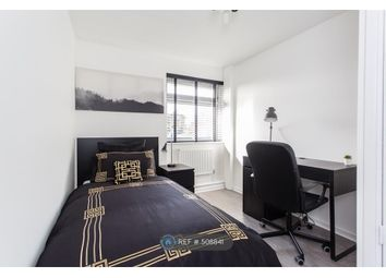 Thumbnail Room to rent in Barrie Road, Farnham
