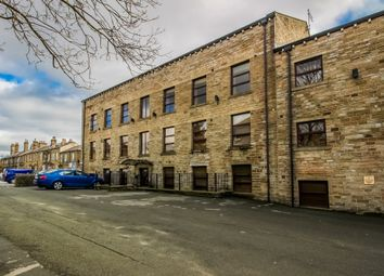 Thumbnail 2 bed flat to rent in New Hey Road, Oakes, Huddersfield