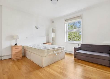 Room to rent in Very Near Kenilworth Road Area, Ealing Broadway South W5