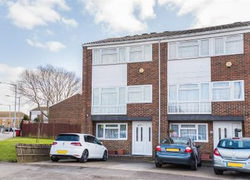 Thumbnail 4 bed town house for sale in Brammas Close, Slough