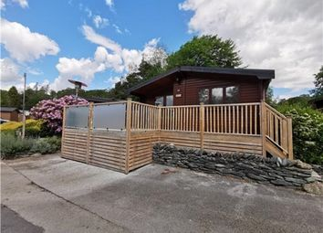 Thumbnail 2 bedroom mobile/park home for sale in Pinelog Oregon Lodge, White Cross Bay Holiday Park, Troutbeck Bridge