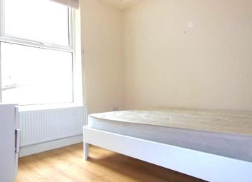 Thumbnail 2 bed flat to rent in The Crest, Brecknock Road, London