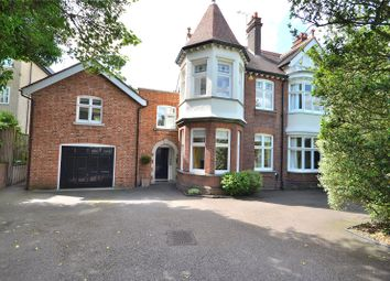 Thumbnail 6 bed detached house for sale in New London Road, Chelmsford, Essex