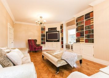 Thumbnail 2 bedroom flat to rent in Clarence Gate, Repton Park, Woodford Green