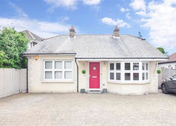 North Crescent, Wickford, Essex SS12. 3 bed detached bungalow