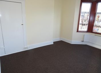 4 bed terraced house to rent in Glencoe Avenue, Seven Kings, Ilford IG2