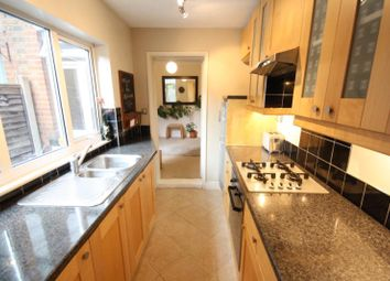 2 bed terraced house to rent in Drummond Road, Guildford, Surrey GU1