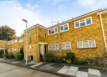Thumbnail 2 bed flat to rent in Dolphin Close KT6, Surbiton,