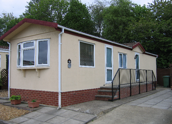 Thumbnail 2 bed mobile/park home for sale in Fengate Park (Ref 5492), Fengate, Peterborough, Cambridgeshire