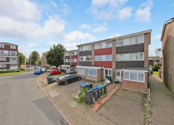 6 bed town house to rent in Smith Street, Surbiton, Surrey KT5