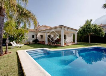 Thumbnail 3 bed villa for sale in Spain, Costa Blanca, Dénia, Den8180