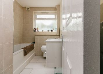 Thumbnail 2 bed flat for sale in Brae Court, London, Surrey