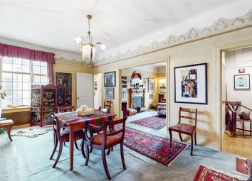 Thumbnail 3 bed flat for sale in Berkeley Court, London